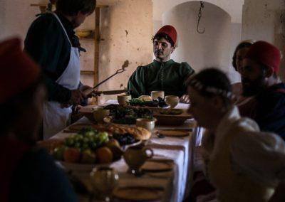 средневековый ужин